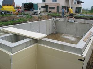 Realisaties voorbeelden bouwwerlken bouwen verbouwen for Houten zwembad bouwen
